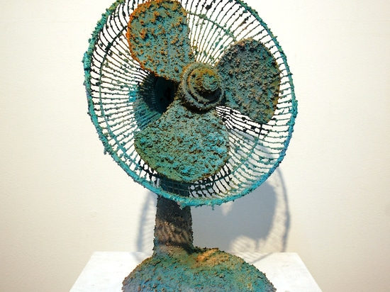 Julian Lorber, Forgone Conclusion_Mud, Rust & Teal, 2014, desk fan, acrylic paint and gel, 51x37x25cm