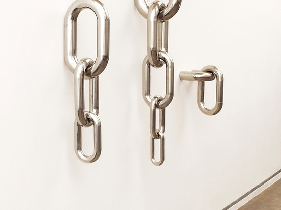 the collection is composed by three different models of chains