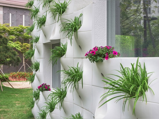 Design Detail – Walls with built-in flowerpots