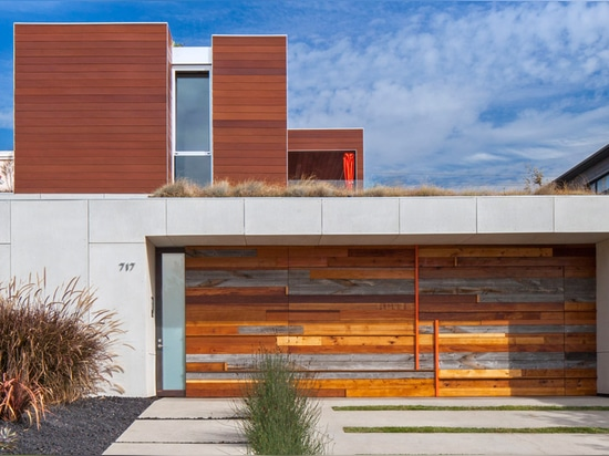 These prefabricated mnmMOD wall panels could revolutionize the way we build