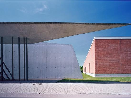 vitra fire station, weil am rhein, germany (1993) / image © vitra
