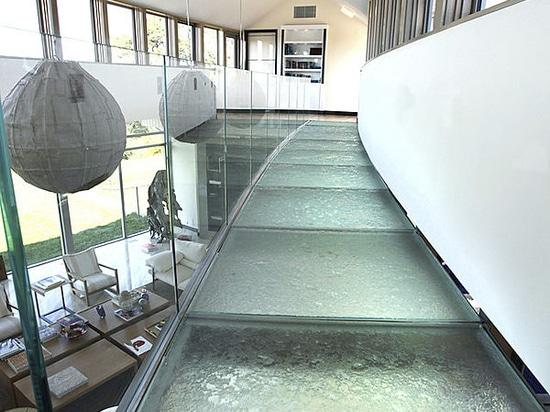 Floor & Bridge