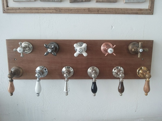 Retro style taps at Bleu Provence: a wide choice of shapes & finishes