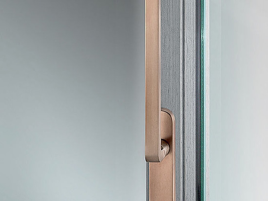 Classics for modernity from FSB: door and window hardware in bronze for inside and out