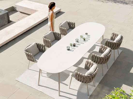 NEW: contemporary chair by TRIBÙ