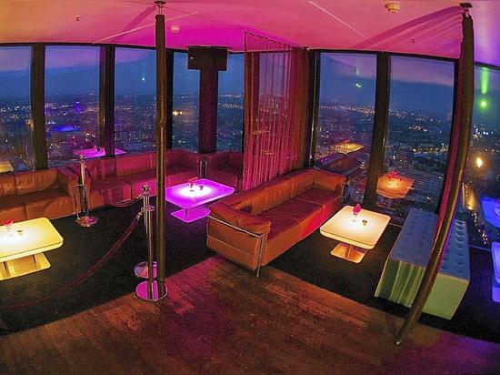 Moree's Table STUDIO lights up Bar Rouge in Basel (Switzerland)