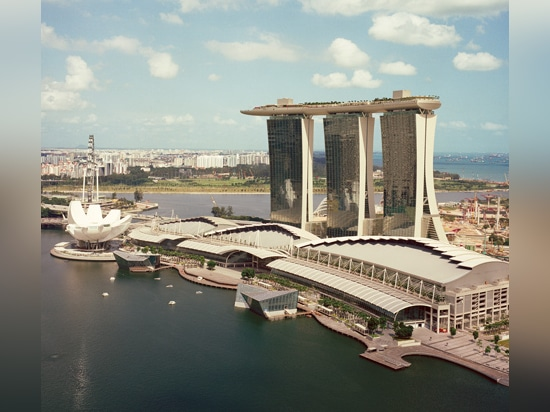 Moshe Safdie's Marina Bay Sands complex contains one of the biggest hotels in the world, famous for its triple towers linked at the top with a dramatically cantilevered sky garden