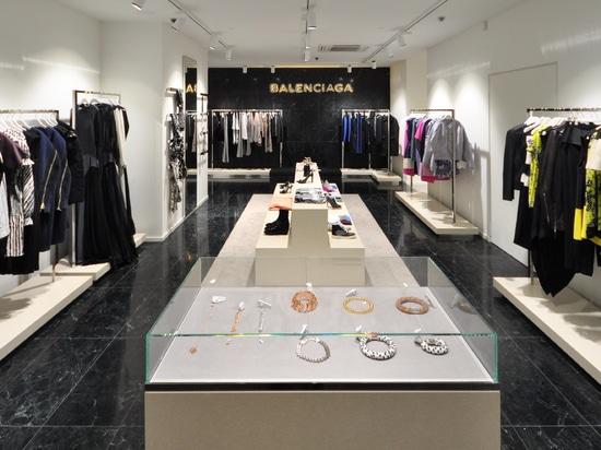 Balenciaga c/o The Mall
