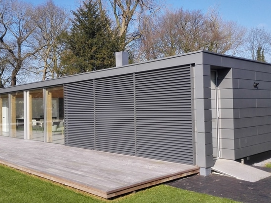 NedZink NOVA COMPOSITE creates a complementary relationship between the Rietveld pavillon and the home