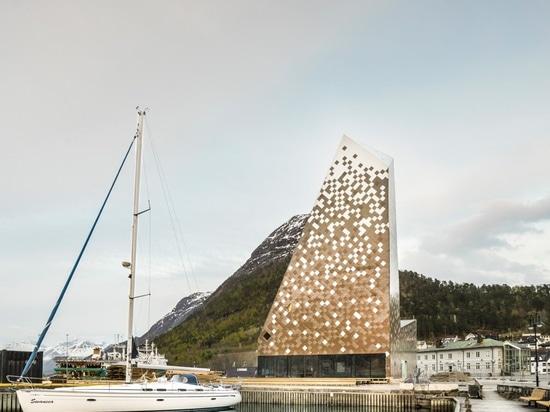 reiulf ramstad completes norwegian mountaineering center with pixelated envelope