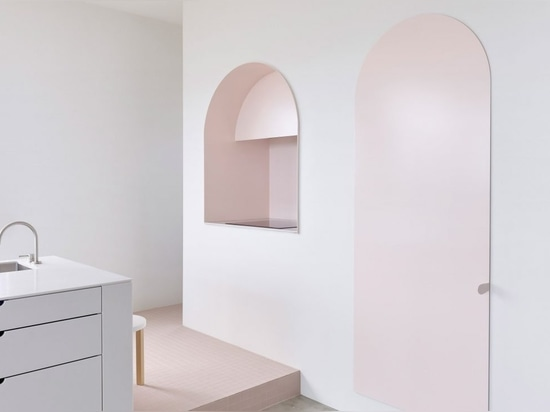 BoardGrove Architects designs Melbourne apartment to look like a gallery