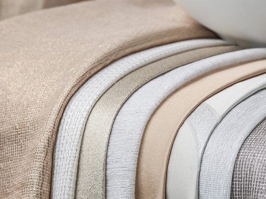Dress up your Christmas with gold lurex upholstery and curtains from Equipo DRT