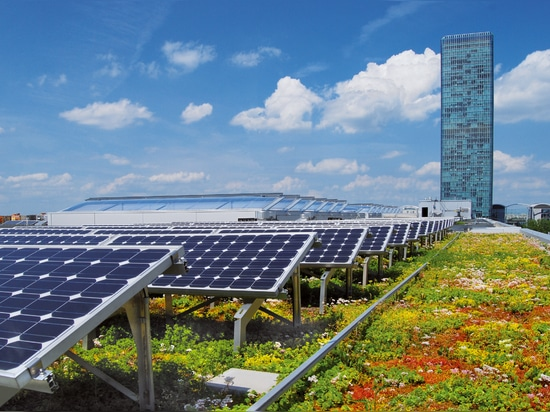 The combination of solar energy system and green roof achieves clear synergy effects.