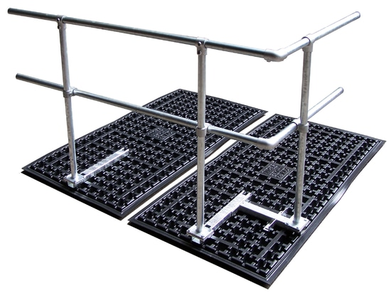 ZinCo solutions for securing railings also work on the ballast principle