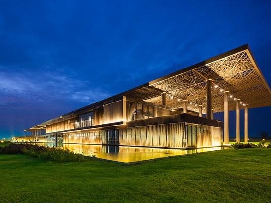 Dakar's international conference center by tabanlioglu architects