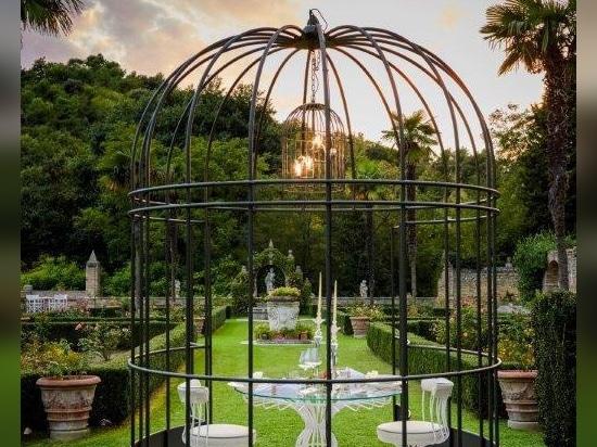 Sirio bird cage and sirio dining table