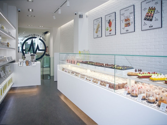 An elegant refrigerated display made from KRION® to highlight the creations of Christophe Michalak in Paris