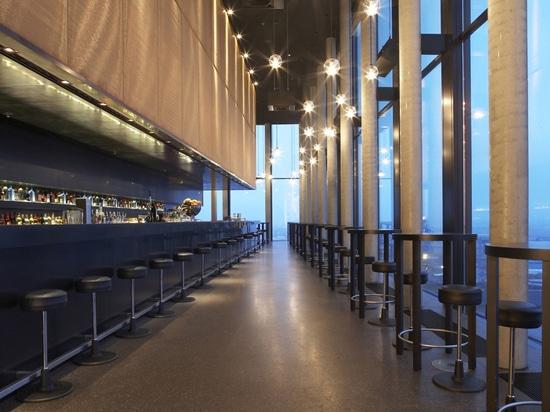 Coloured mesh and architecture – Anodized aluminium mesh