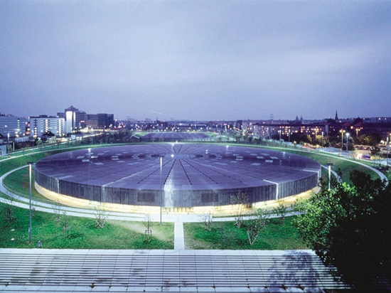 The role of metallic mesh in the transformation of stadium architecture