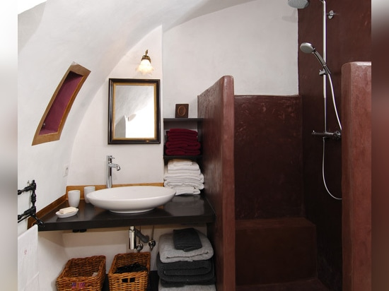 Burgundy micro-cement shower