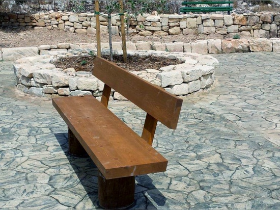 Haya bench installed in Malte