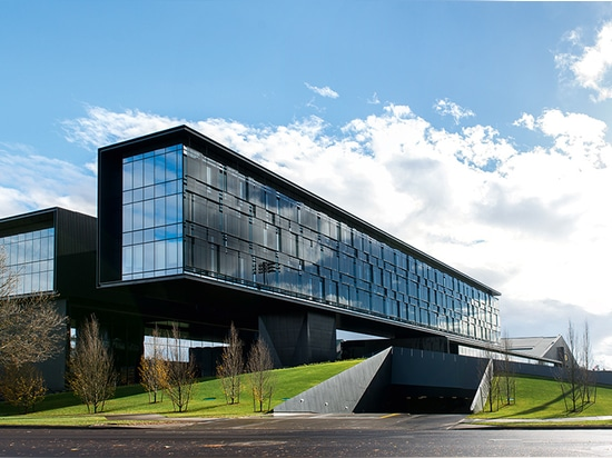 Hatfield-Dowlin Complex, Oregon Football Performance Center