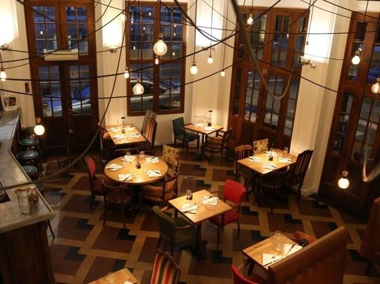 LA VIDA Restaurant