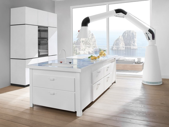 A Minà kitchen in Capri. Simplicity in harmony with the landscape.