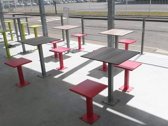 Furniture for Airbus' company terrace Saint Nazaire