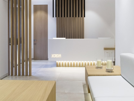 Ébano selects KRION to bring a sensation of wellbeing to Clínica Dental Jordá