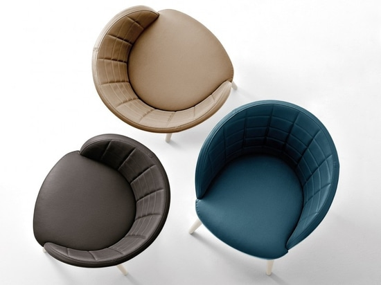 Enveloping profile for soft Montbel chairs