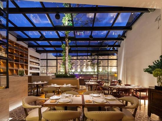 Galio Corten, Restaurante Comer o Mundo - O Asiatico - Bairro Alto, Lisbon. Portugal