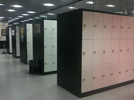 School lockers installation