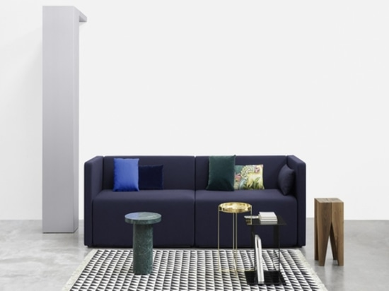 Kerman sofa, Iza carpet and Backenzahn stool by e15. Courtesy of the brand.