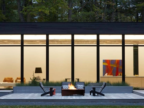 A modern fire to gather around.