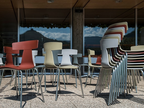 REMO plastic chair at the Gretl am See restaurant