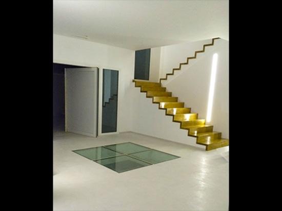 An Exclusive Oak Staircase Roi