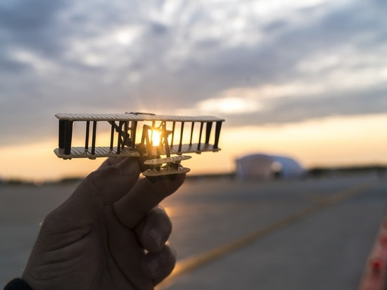 Dayton, Ohio, USA, May 21st 2016: Solar Impulse successfully landed in Dayton, Ohio with André Borschberg at the controls. Departed from Abu Dhabi on march 9th 2015, the Round-the-World Solar Fligh...