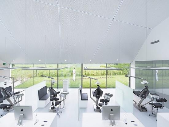 Orthodontic clinic interior by Amsterdam-based Studio Prototype. Photo by Jeroen Musch via Studio Prototype.