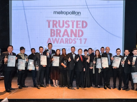 The winners of Metropolitan Home Trusted Brand Awards 2017 with (Encik) Abu Bakar Yusof, Lifestyle & Life Sciences Section Director of MATRADE's Trade and Services Promotion Division, Mr Alvin Chan...