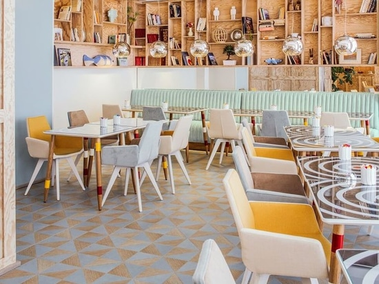 Interior Design Spotlight: Bright colors in the dining area at hotel Joke Astotel to open the appetite.