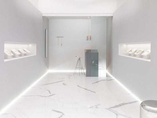 Exquisite white for the design of commercial premises