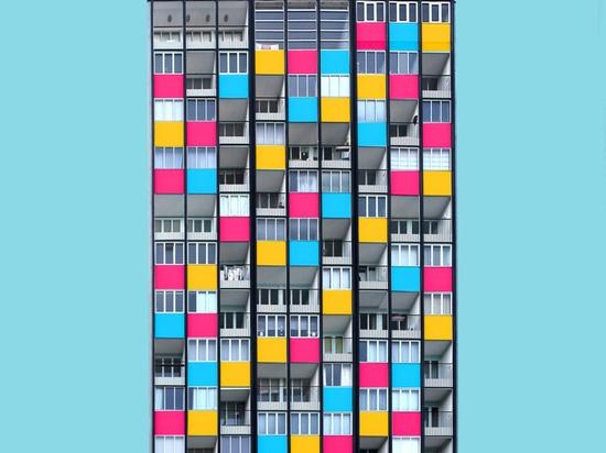 Bartningallee 13 by Raymond Lopez and Eugene Beaudouin