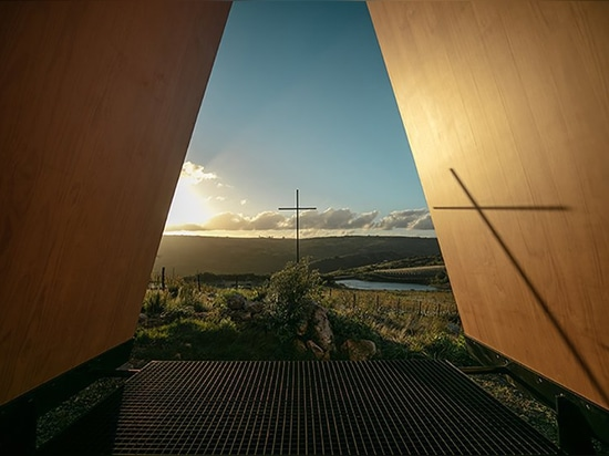 MAPA's sacromonte chapel in uruguay respects the landscape by denying its confinement