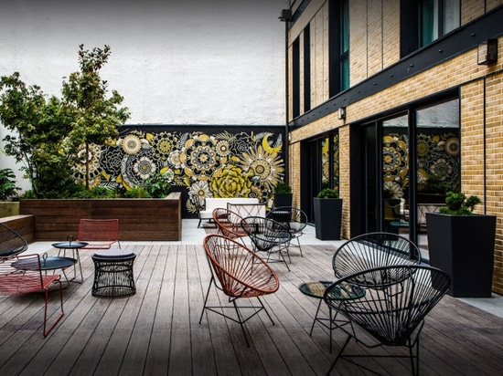 Image'In bespoke planters in fibre cement for a design layout of L'Imprimerie Hotel