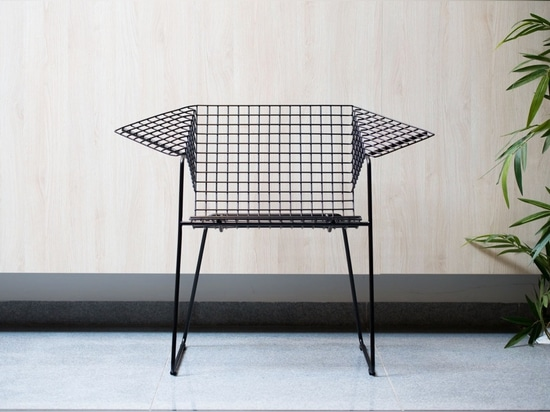 The wire mesh Grid 55 chair by Czesław Knothe, now produced by Vzor. Photography courtesy of Vzor.