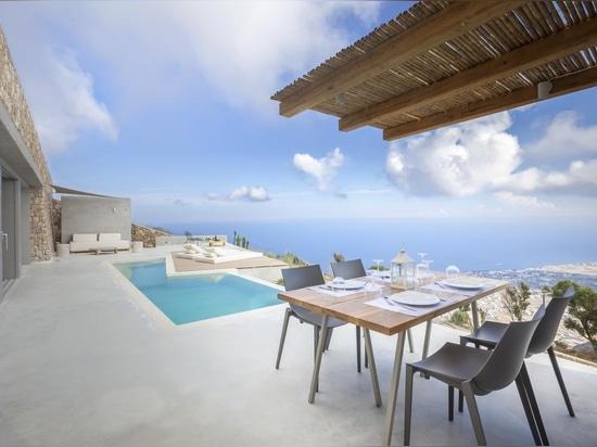 Mediterranean luxury at the very top of Santorini