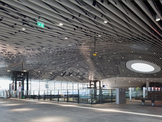 mecanoo completes delft's city hall and railway station complex