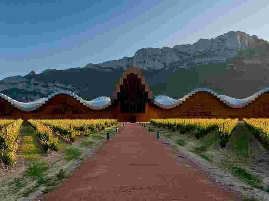 Bodega Ysios – Rioja. Courtesy of architect Santiago Calatrava
