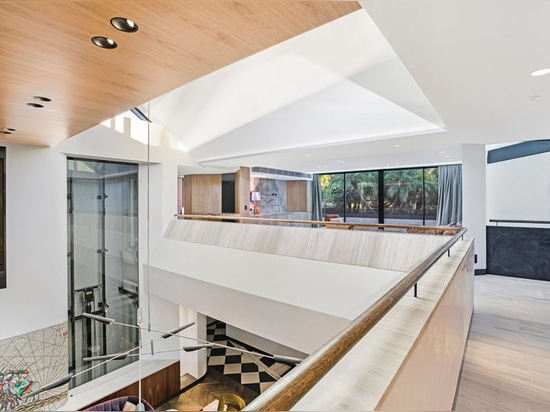 The Bellevue Hill House by Geoform Architects